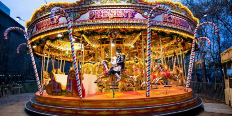 A Classic Christmas in London: A Traveler's Guide